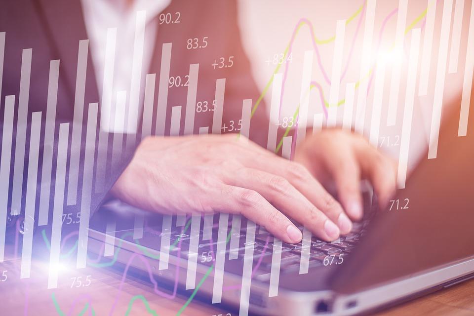 hogy a számítógép hogyan tud pénzt keresni önmagában ki milyen stratégiákat alkalmaz az opciókra
